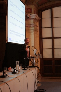 Hans Uszkoreit giving a lecture at the European Semantic Technology Conference 2008 (Vienna, Austria)